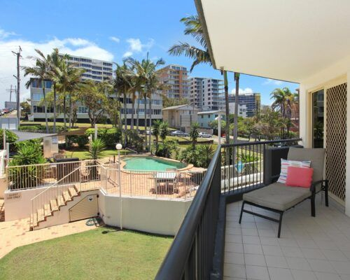 kings-beach-second-floor-apartments-unit-10 (2)